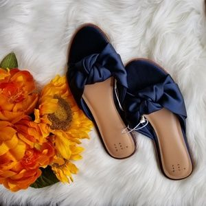2 sets of sandals gold and blue 8 1/2